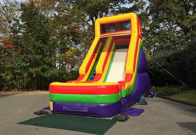 18′ Screamer Slide